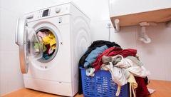 رفع بوی کپک و نم از لباس ها با کمک این وسیله خانگی