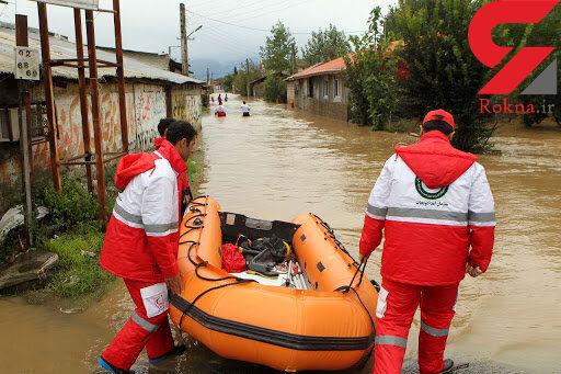 نجات جان 3 فرد گرفتار سیلاب در فنوج