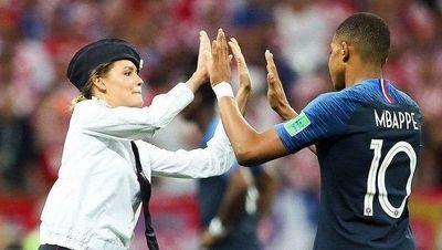 مجازات برای اخلالگرانی که فینال جام جهانی را در زمین به هم ریختند! +عکس ها