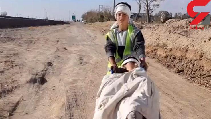 نوجوانی که ۲۰۰ کیلومتر دوستش امیرحسین را برای رسیدن به بارگاه منور رضوی هل داد + عکس