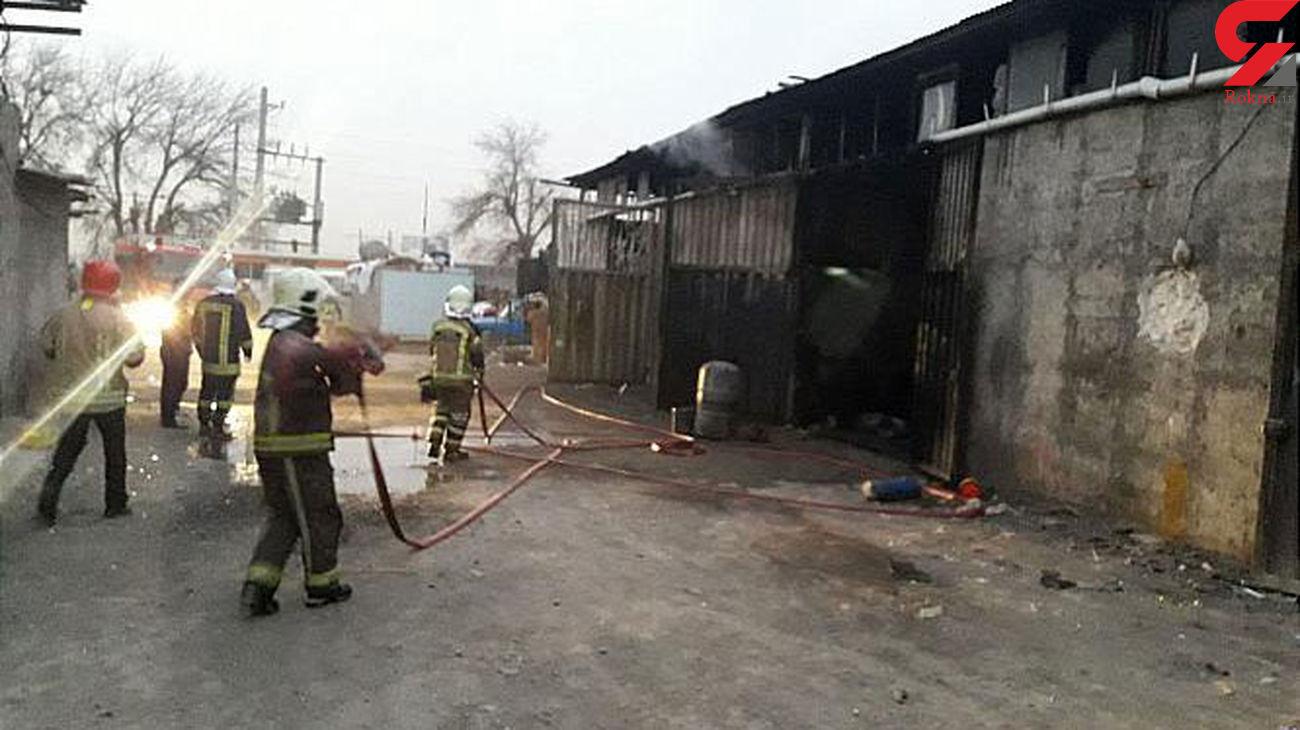 یک کارگاه مبل سازی در خیابان عرفان آتش گرفت + عکس