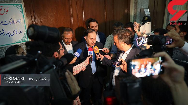 وکیل نجفی: اسلحه قبل از کارشناسی دست خبرنگار صدا و سیما بود! / نواقص بسیار در کیفرخواست عجولانه