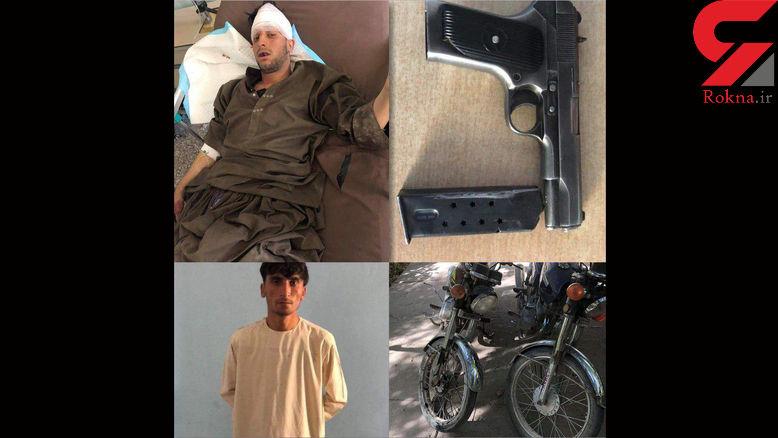 این مردان مسلح با 2 موتورسیکلت به یک مسجد حمله کردند + عکس