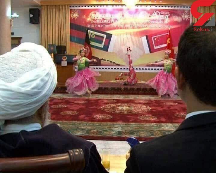 حضور معاون رئیس جمهور در مجلس رقص دختران چینی با لباس های بدن نما! + عکس