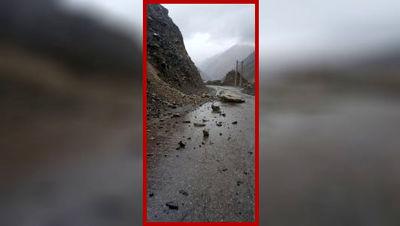 مرگ دردناک داخل خودروی لاکچری! / ریزش کوه در سوادکوه