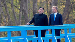 نشست غیرمنتظره رهبران دو کره