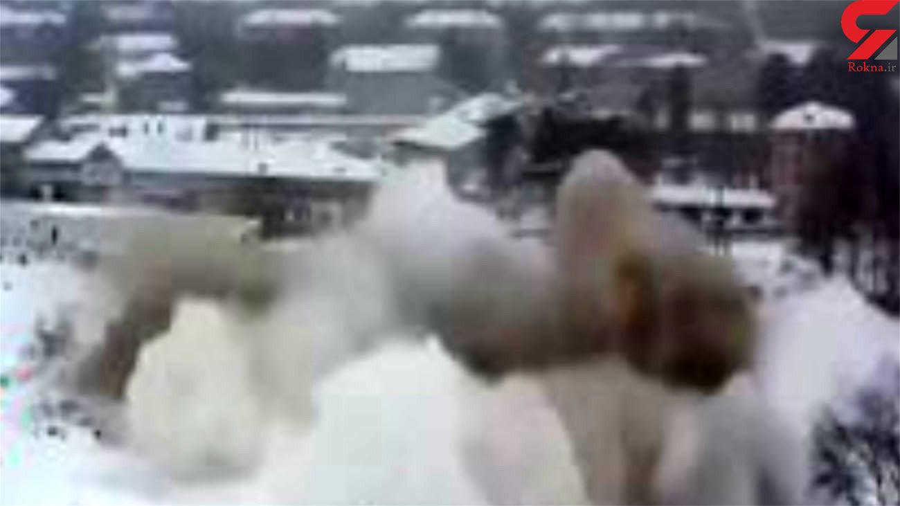 سقوط هولناک یک برج در روسیه + فیلم