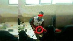 اولین عکس  از لحظه خونگیری جنجالی پسر17 ساله از دختران دبیرستانی در تاکستان