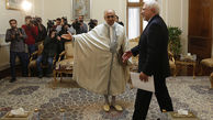 عجیب ترین لباس  یک سفیر در دیدار با ظریف +عکس