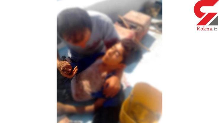 عکس تلخ / پسر 15 ساله خوزستانی در آغوش پدر جان باخت / سرنوشتی که اشک همه را در می آورد