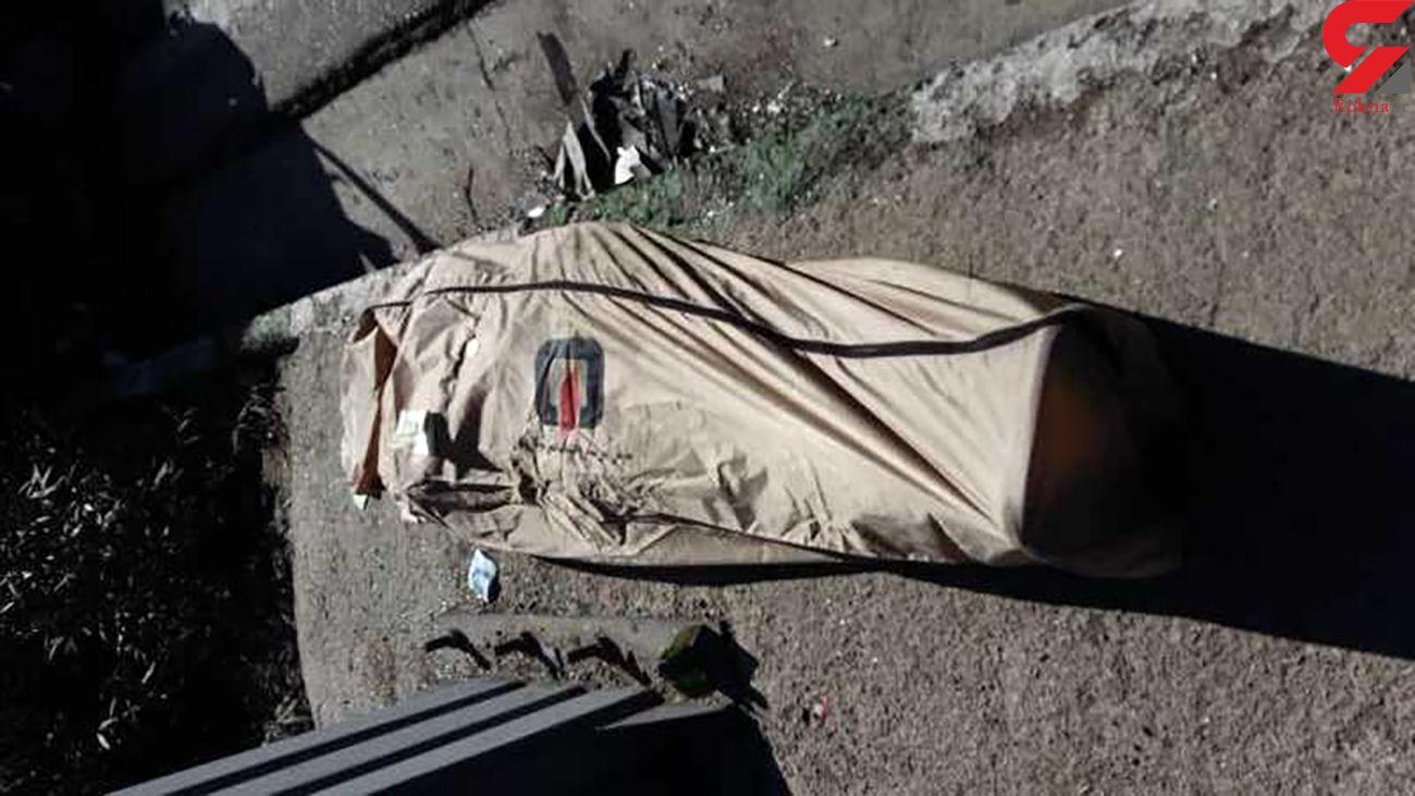 عکس جنازه جوان تهرانی که سرش را از ماشین بیرون برد