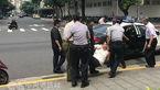 حمله با شمشیر سامورایی به یکی از نیروهای امنیتی مقر دولت تایوان + عکس