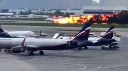 فیلم لحظه انفجار هواپیمای مسافربری هنگام فرود در روسیه / 41 جان باخته