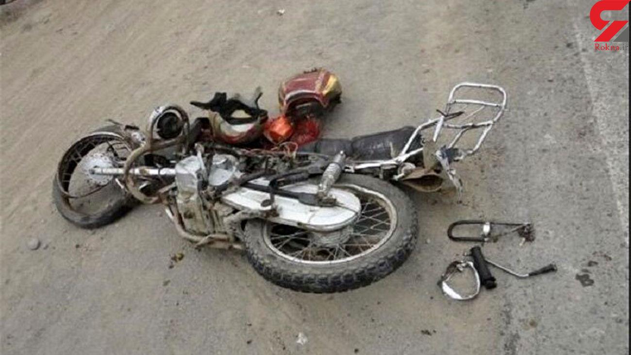 مرگ دردناک موتورسوار ساوه ای در تصادف با وانت