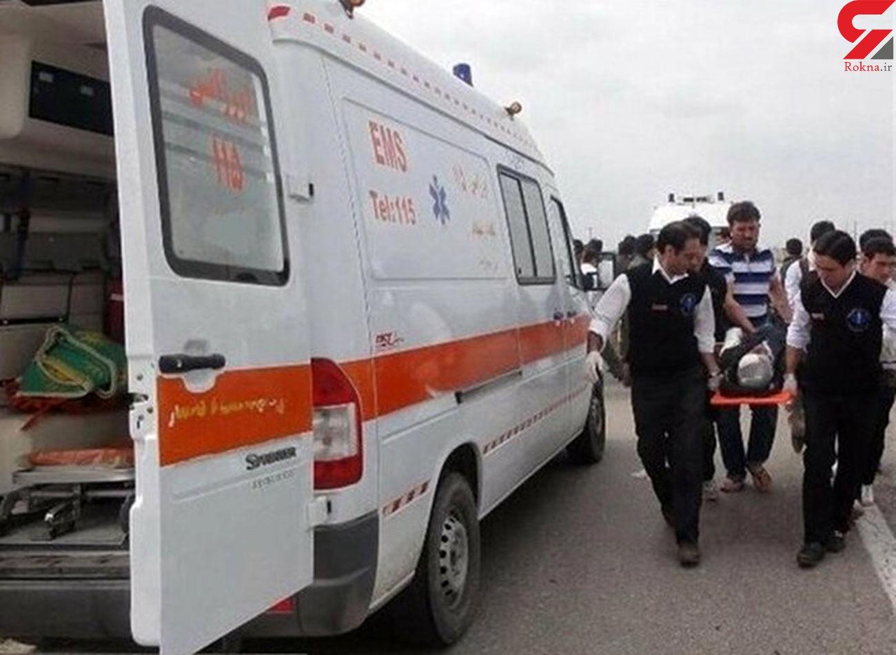 مصدومیت ۱۴ نفر براثر واژگونی اتوبوس در نزدیکی بیشه