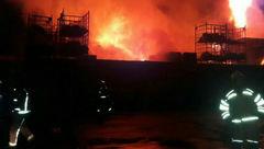 آتشسوزی در کارگاه فرآوری عسل در تبریز