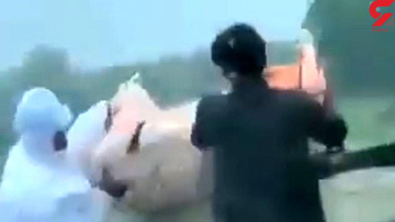 پرت کردن جنازه بیمار کرونایی به داخل رودخانه + فیلم
