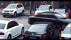 تصادف شدید راننده ناشی هنگام پارک خودرو لوکس + فیلم