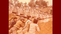 تصاویر دیده نشده از حضور حمید معصومینژاد در جبهه + تصاویر