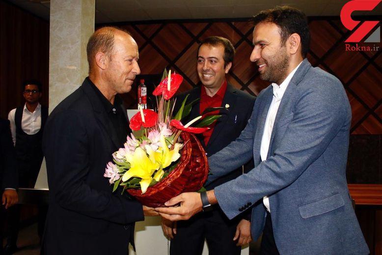 گابریل کالدرون به عنوان سرمربی سرخها وارد تهران شد