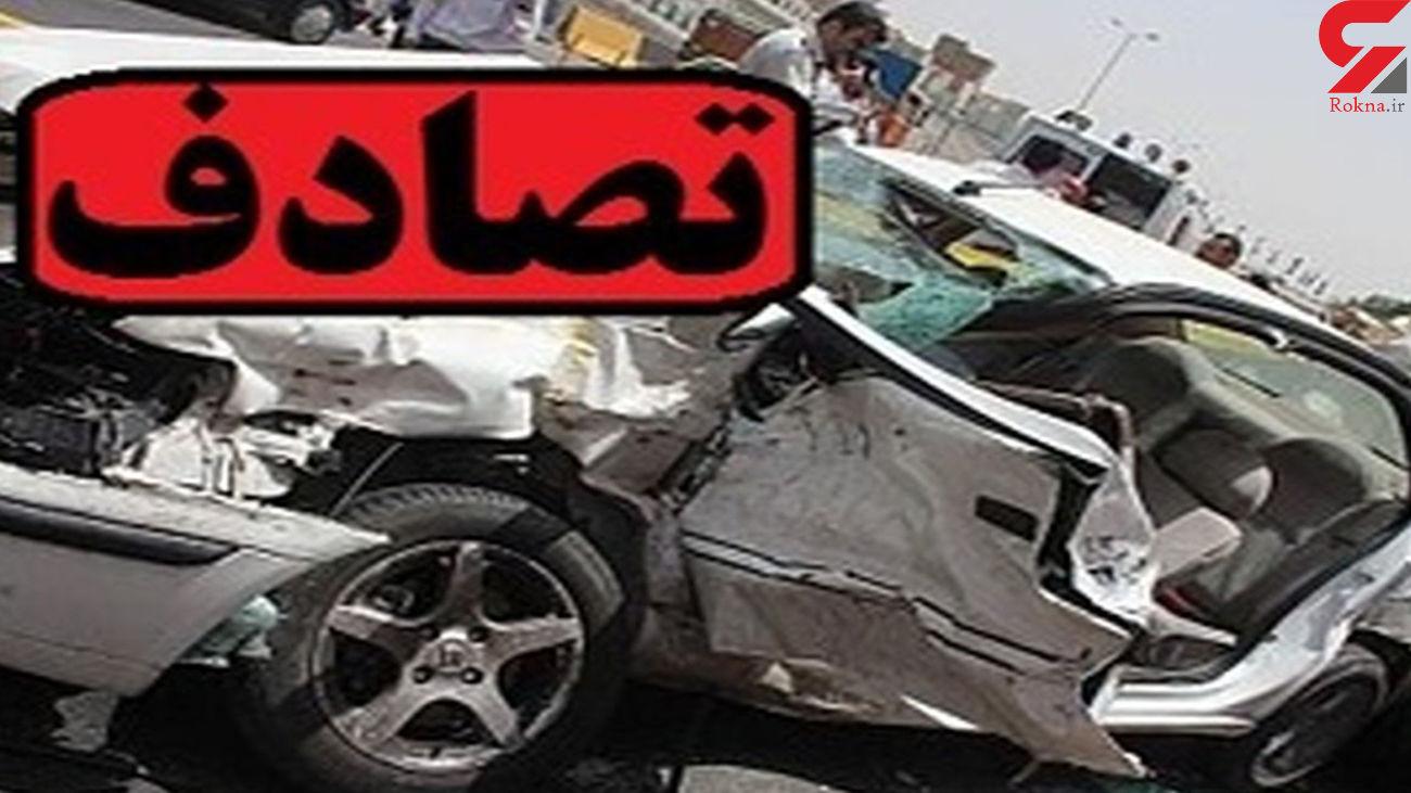 تصادف اتوبوس با موتورسیکلت در جاده نیکشهر حادثه آفرید