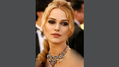 گردنبند گرانقیمت ثریا همسر محمدرضا شاه بر گردن بازیگر هالیوودی +عکس