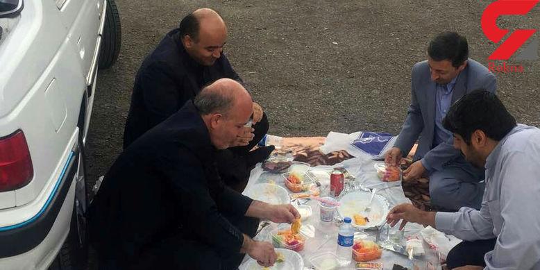 ناهارخوردن رئیس کمیته امداد در کنار جاده + عکس