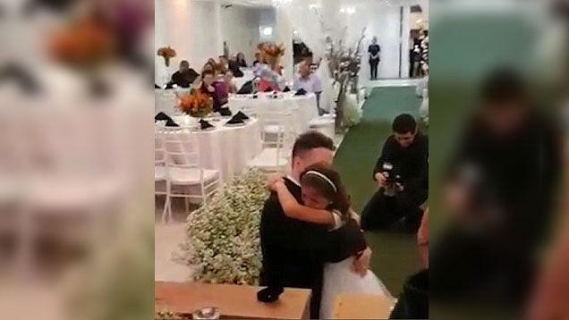 سورپرایز داماد 37 ساله برای ساقدوش عروس بیوه در مراسم ازدواج + فیلم و عکس