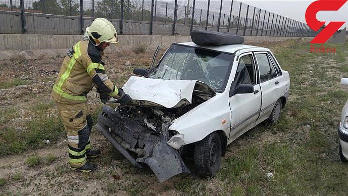 مصدومیت دو نفر در تصادف دو خودروی سواری