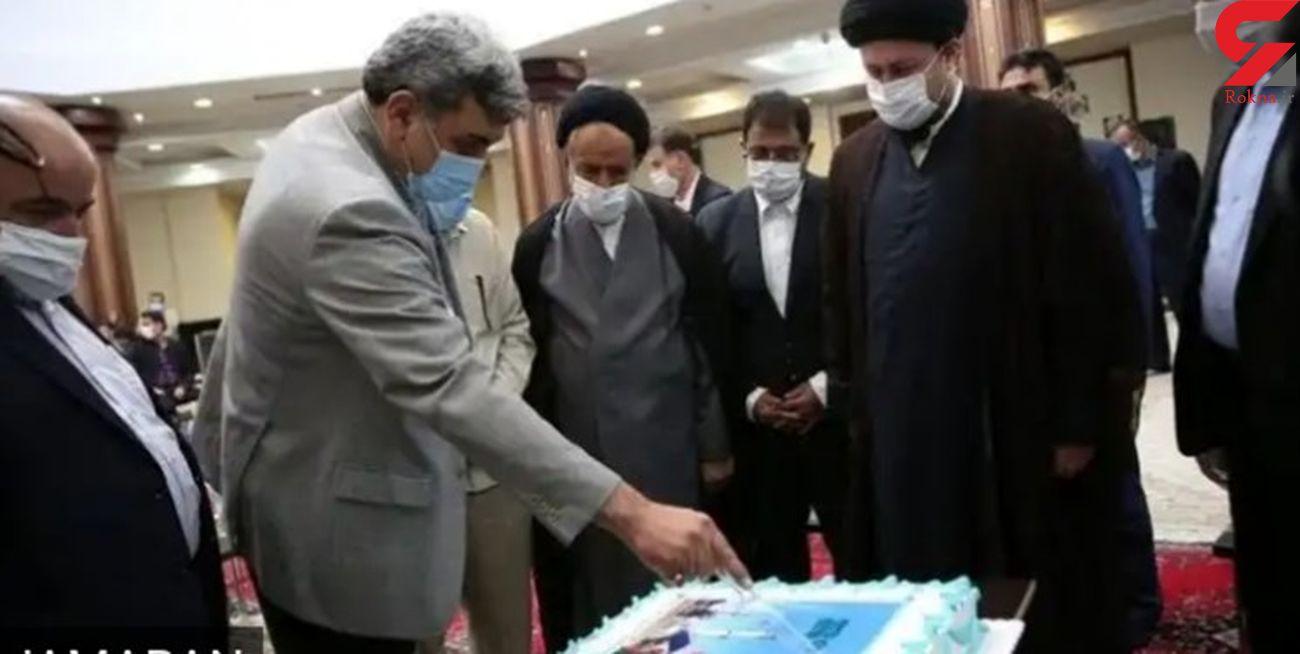 پدرم کارگر بهشت زهرا بود / حناچی نباید کیک جشن بهشت زهرا (س) را می برید