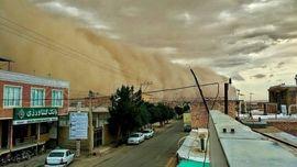عکس / لحظه وحشتناک ورود طوفان به آران و بیدگل