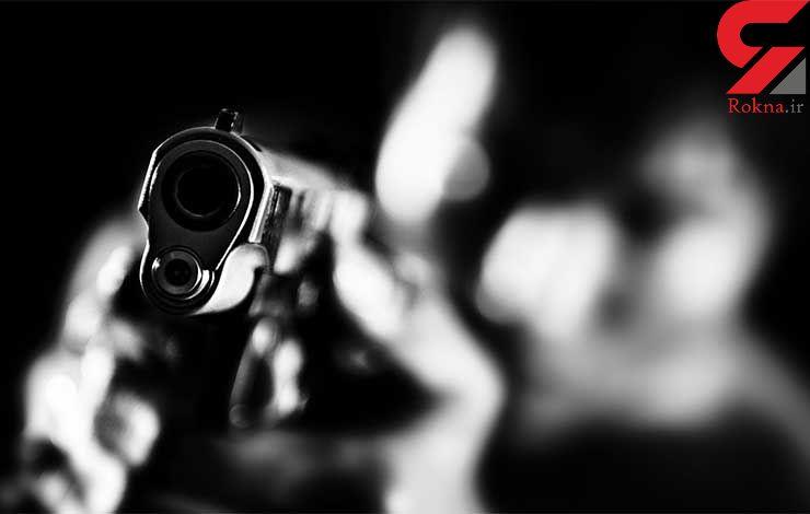 قتل دو دانشجو در حیاط دانشگاه / قاتل در را با کمربند بسته بود
