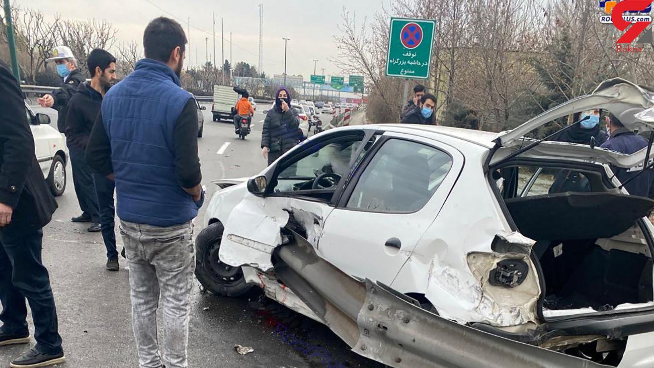 2 پای راننده 206 تهرانی بعد از تصادف قطع شد و در ماشین جا ماند !+تصاویر