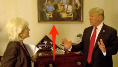 جنجال تابلوی نقاشی زننده ترامپ در کاخسفید !+ تصاویر