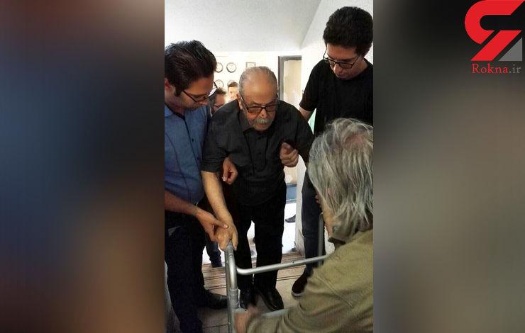 حضور محمدعلی کشاورز با شرایط خاص جسمانی در خانه داوود رشیدی +عکس