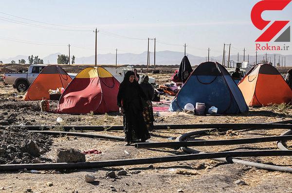 مستاجران در مناطق زلزلهزده همچنان کف خیابان زندگی میکنند!