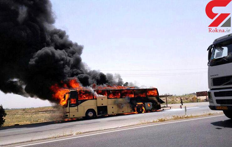 عکس اتوبوسی که با 40 مسافر آتش گرفت+عکس