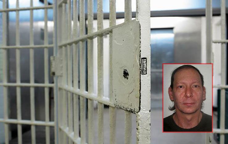 خودکشی در زندان / همه زندانی ها قصد آزار و اذیت این زندانی را داشتند!+عکس
