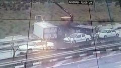 واژگونی دو دستگاه کامیونت در دوشنبه بارانی پایتخت  +  عکس