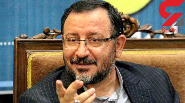 احمدینژاد گرفتار توهم شده است