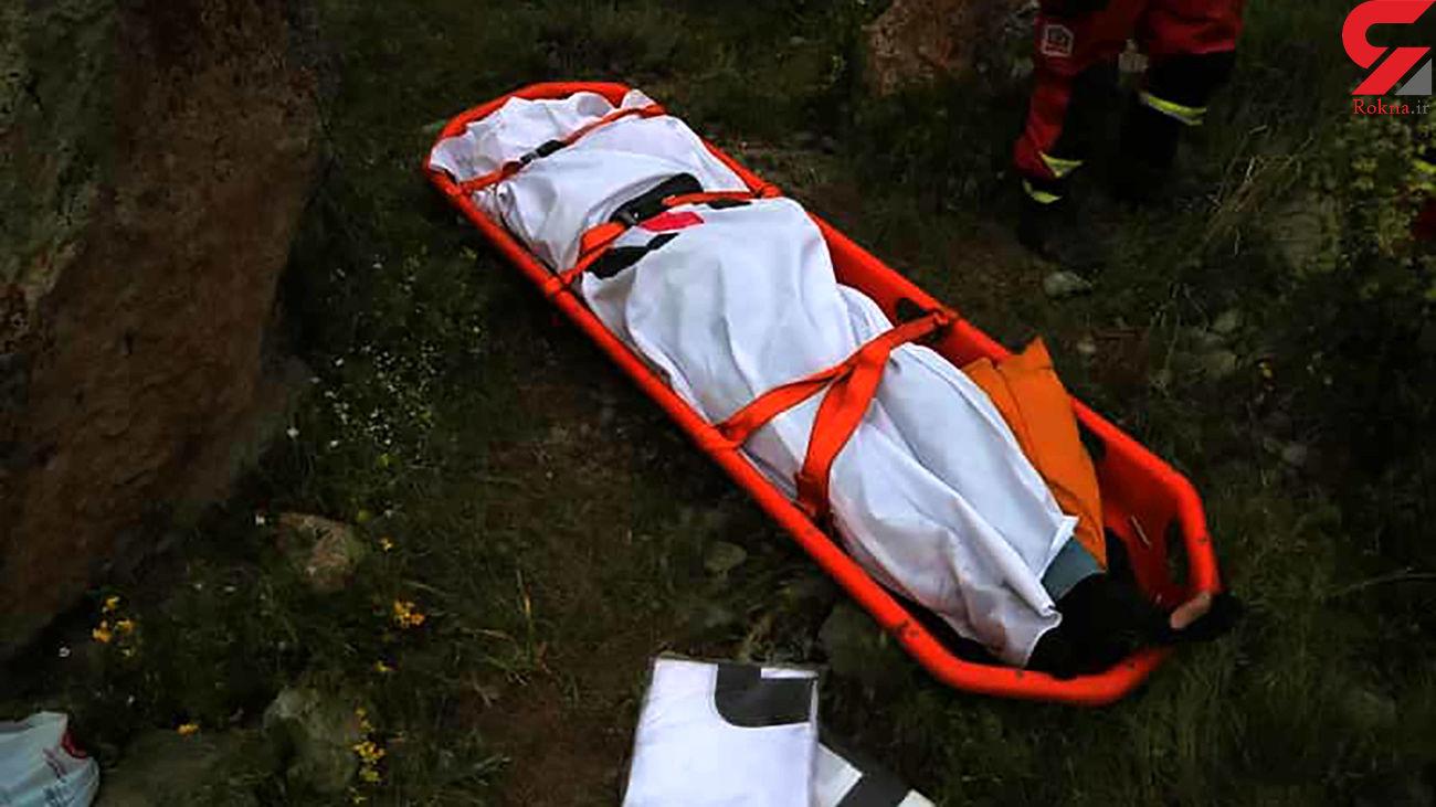 عکس جنازه مرد تهرانی / پرواز مرگبار پژو به دره