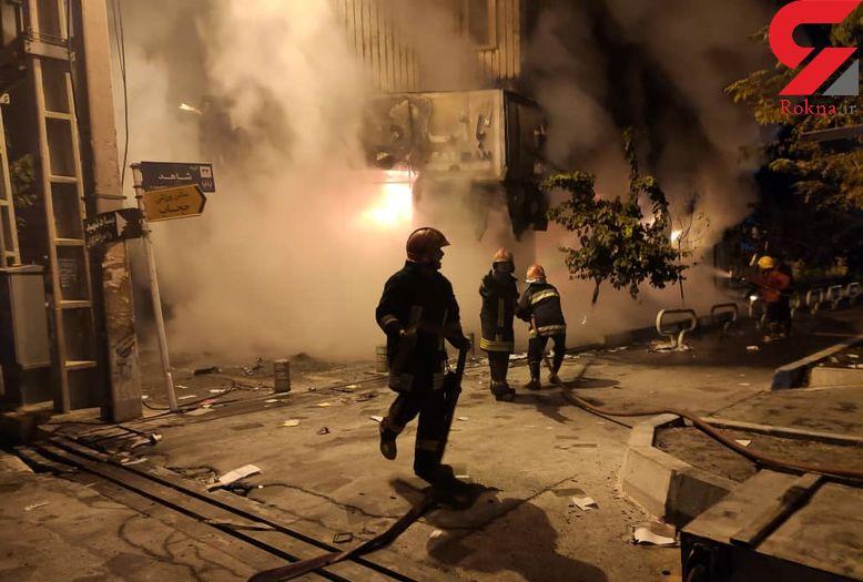 بلایی که اغتشاشگران شهر قدس سر یک آتشنشان آوردند / فریاد یک فرشته در آتش+ تصاویر