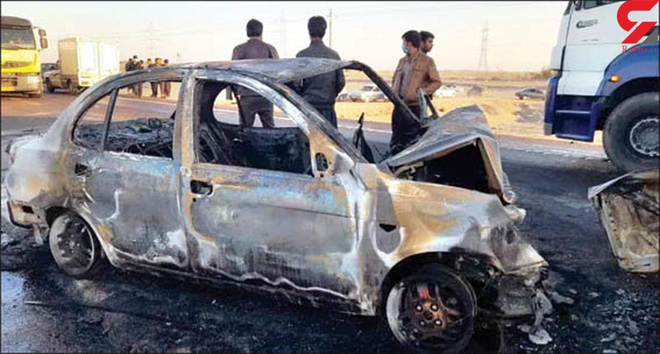 5 سرنشین پراید و ساینا زنده زنده سوختند + عکس حادثه در جاده کرمان