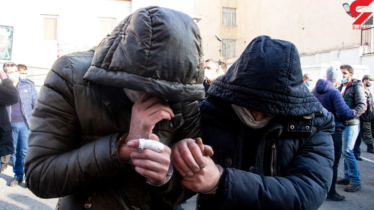 دستگیری 2 سارق موبایل قاپ در تهران / آنها با هوندا آبی دزدی می کردند