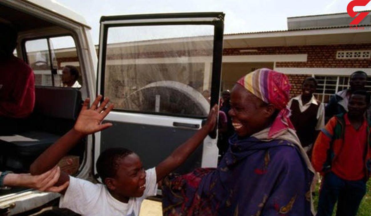 این عکس دنیا را تکان داد / دیدار مادر و فرزند پس از سال ها جنگ