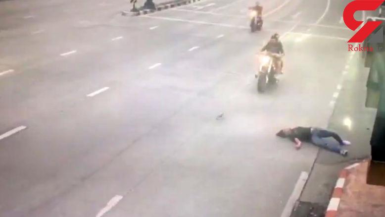 حادثه دلخراش مرگ یک موتور سوار به دلیل سرعت زیاد + فیلم