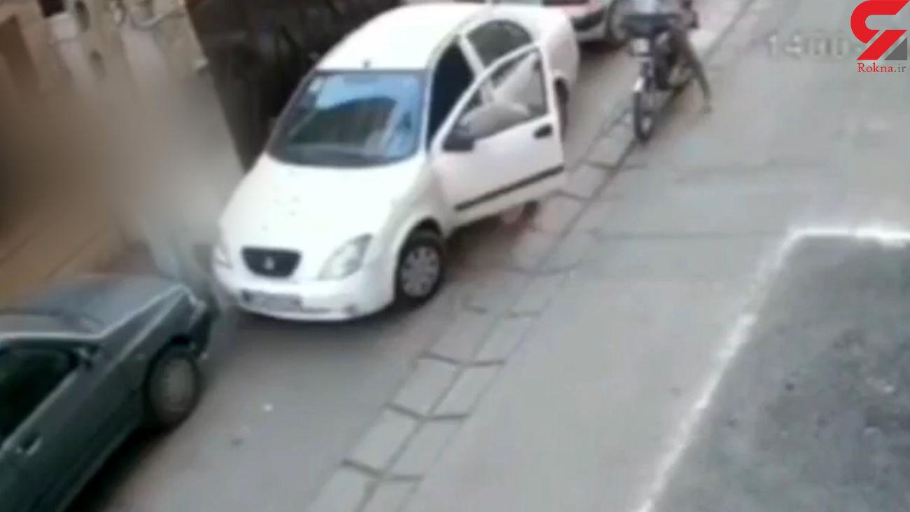 حمله قالتاق ترین زن به خودروی تیبا +فیلم
