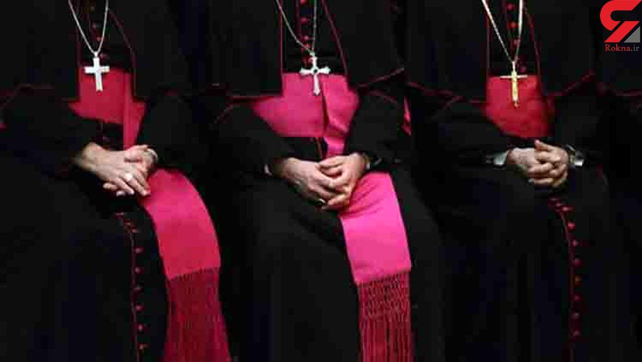 اقدام های شیطانی 5 کشیش کلیسای کاتولیک جنجال به پا کرد