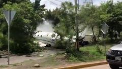فیلم لحظه سقوط هواپیما در وسط شهر + جزییات