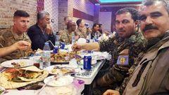 خشم مردم ترکیه با دیدن این عکس/ نظامیان آمریکا در کنار سران یپگ چه می کردند !؟